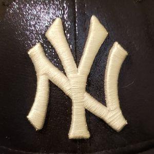 Ladies Indigo Blue Metallic Yankees Hat